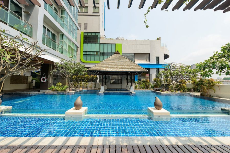 Swimming Pool Area Nana Location